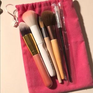 Makeup Brushes & Bag Bundle🎁🎁